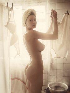 fucking, brunette Naked Teen Caught in The Bathroom