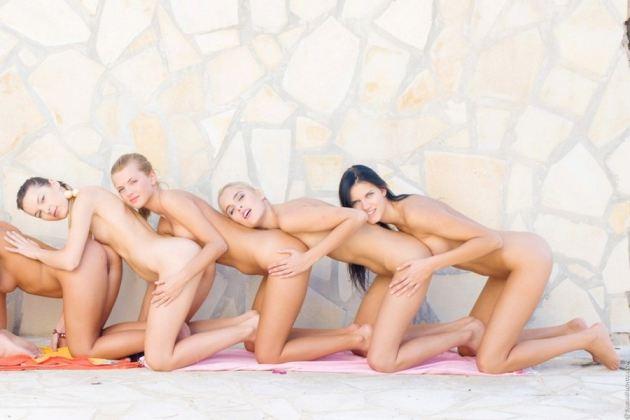 Sasha Blonde Teen And Friends