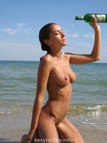 Sexy Naked Teen On Beach In Pussy Tits Exposed