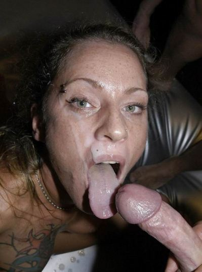 Teen Girl With Long Tongues