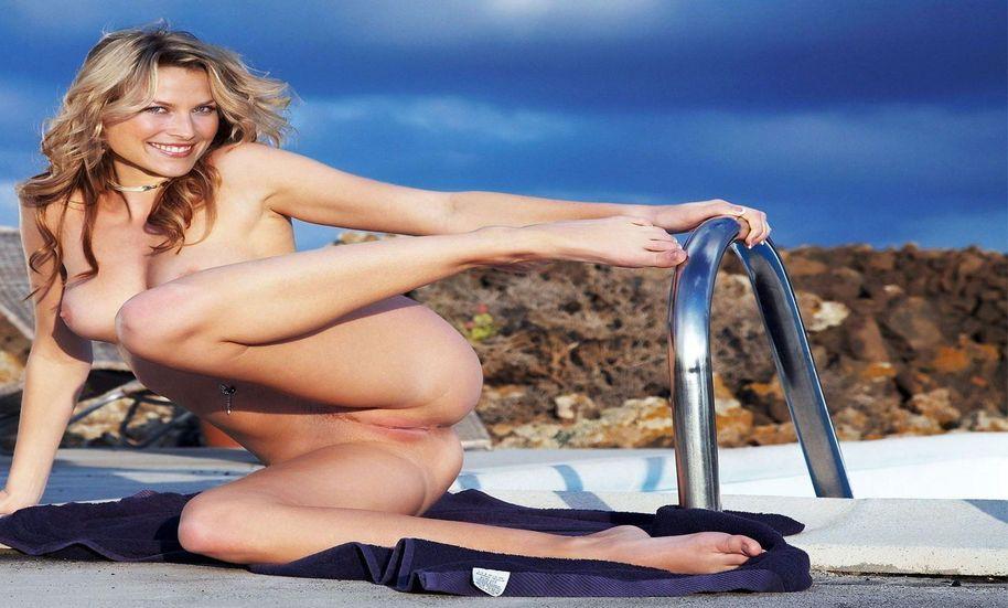 tube8 Ali Larter Naked Sex Boobs Pics