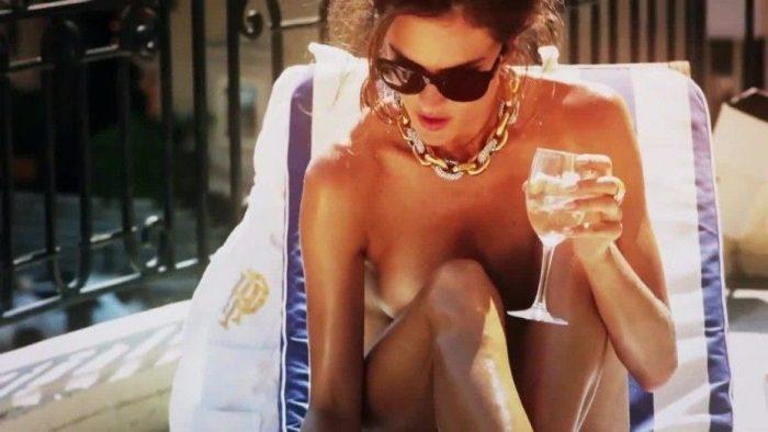Alessandra Ambrosio Topless