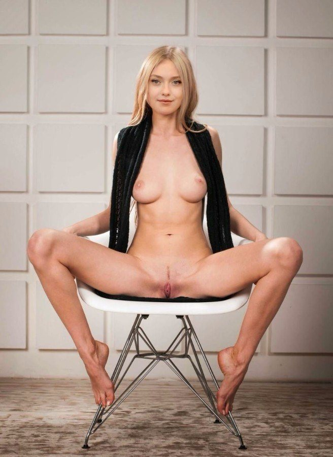 tube8, pussy Dakota Fanning Nude Posing Her Boobs Pussy Pictures