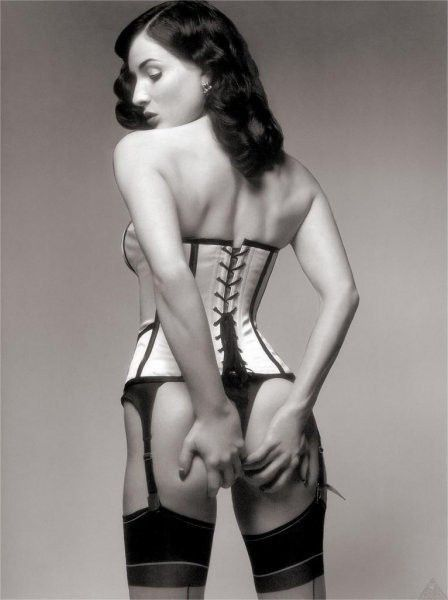 tube8 Dita Von Teese Nude Sexy Ass In Corset