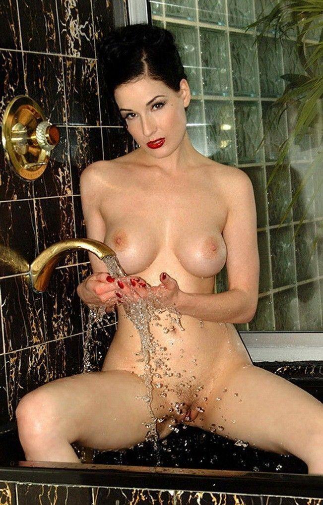 tube8 Dita Von Teese Nude Large Tits Wet Body