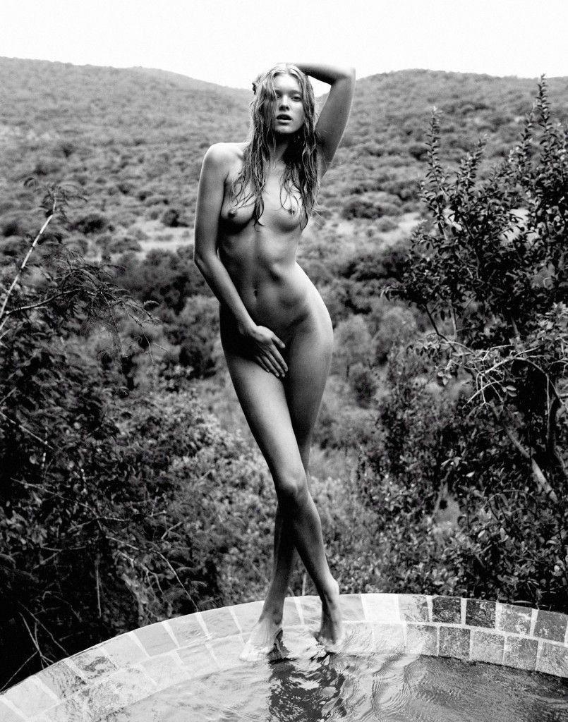 tube8 Elsa Hosk Naked Posing