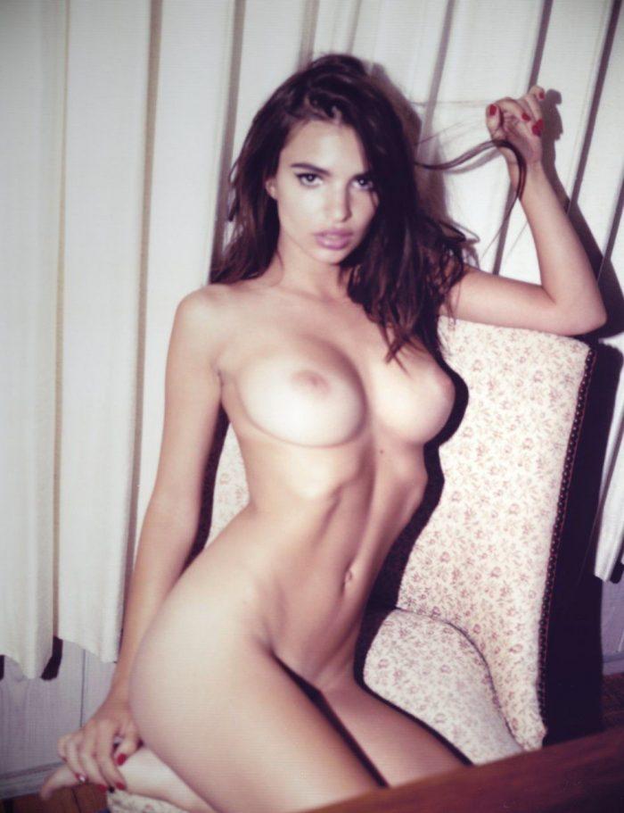tube8 Emily Ratajkowski Naked Boobs