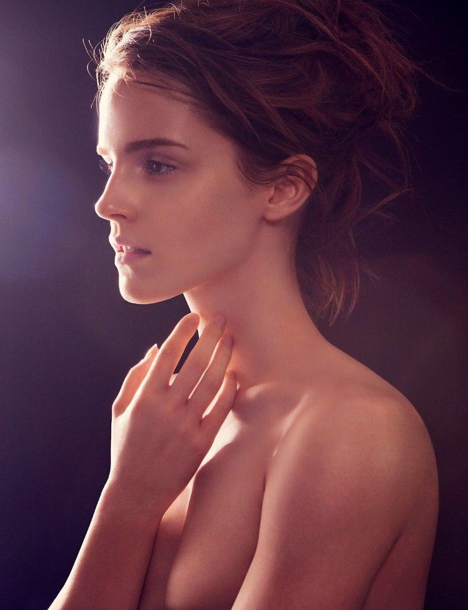 tube8 Emma Watson Topless Nude Photo