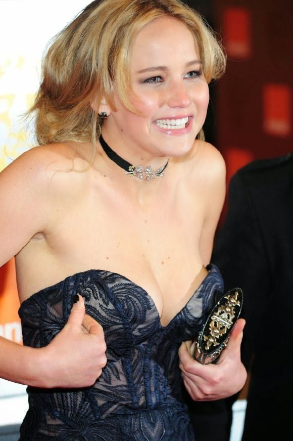 tube8 Gina Gershon Nude Boobs Under Dress