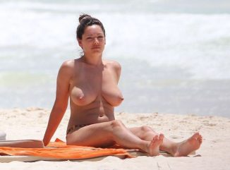 tube8 Kelly Brook Huge Breasts Nude Topless