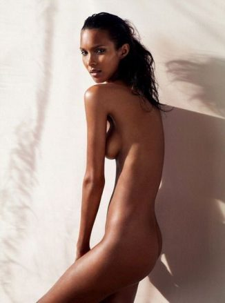 tube8 Lais Ribeiro Posing Fully Nude Showing Her Hot Body