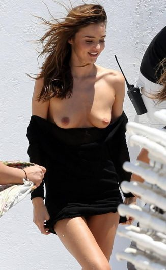 tube8 Miranda Kerr Breasts Slip Out During Outdoor Photoshoot