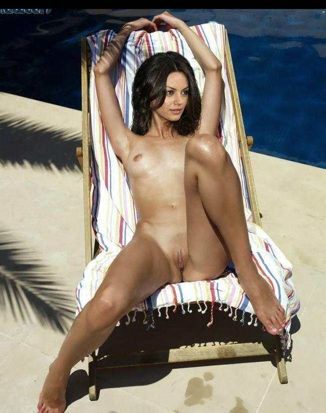 Naked Celebrities Mila Kunis