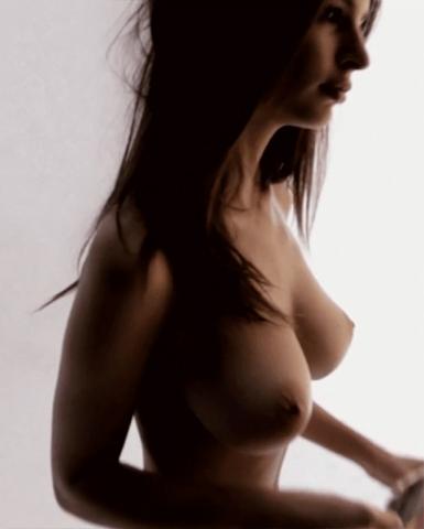 tube8 Emily Ratajkowski Completely Naked Photos