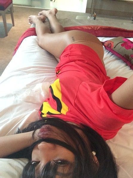 tube8, selfie Rihanna Sexy Butt Mirror Phone Selfie