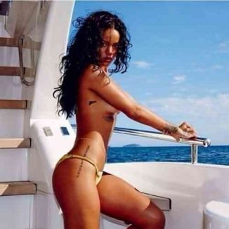 tube8 Rihanna Nude Posing On The Yacht