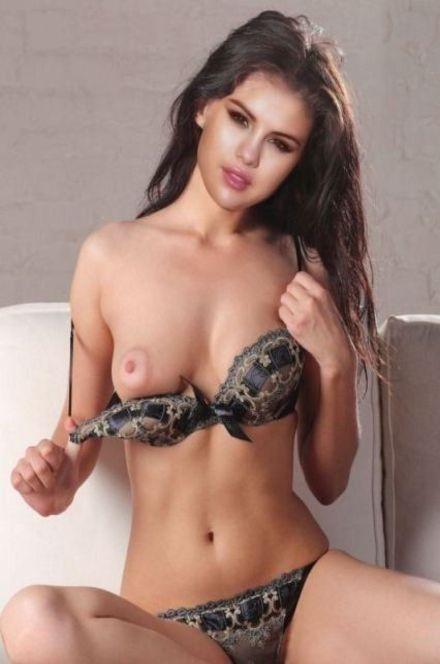 tube8 Selena Gomez Homemade Nude Photo