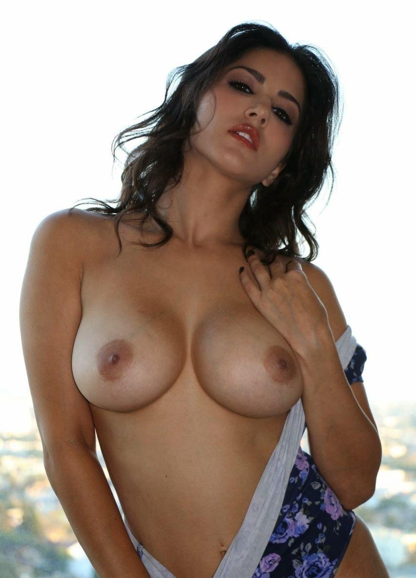sunny leone porn photo gallery