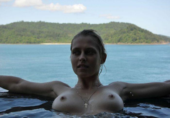 tube8 Teresa Palmer Nude Sexy Naked White Boobs Bath Nude Images