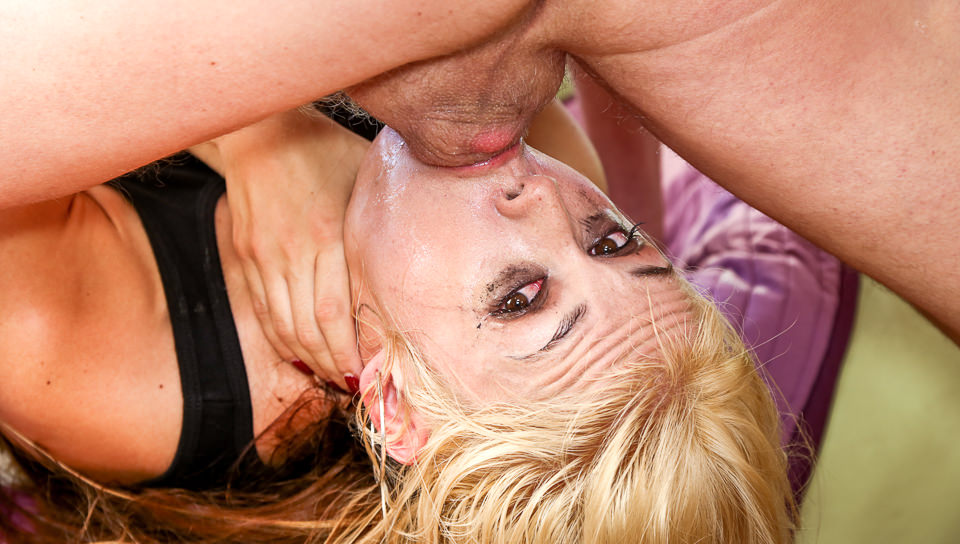 Throated Contest 2014 – Sarah Vandella, Scene #01
